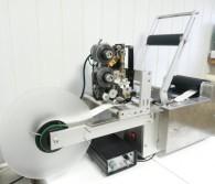Полуавтоматическая этикетировочная машина с датером